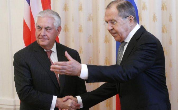 El secretario de Estado de EEUU, Rex Tillerson y el ministro de...