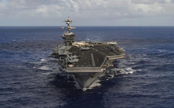 "Porta aviones USS ""Carl Vinson"""