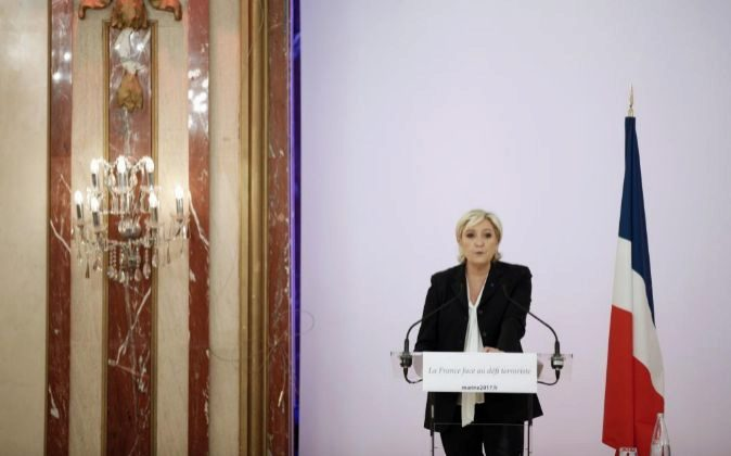La líder del Frente Nacional y candidata a las elecciones...