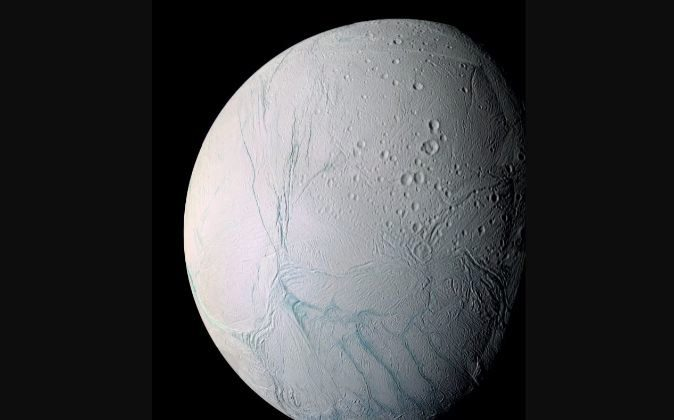 La luna de Saturno, Encelado