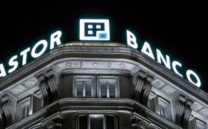 Edificio de Banco Pastor en A Coruña.