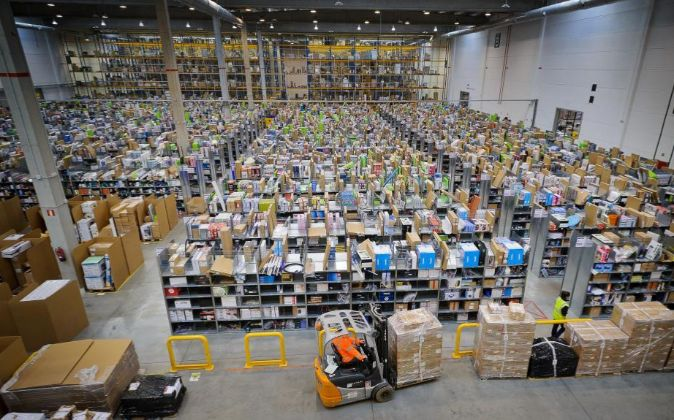Centro logístico de Amazon en Madrid.
