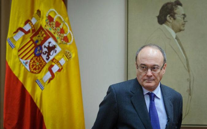 Luis María Linde, gobernador del Banco de España, en la comisión de...