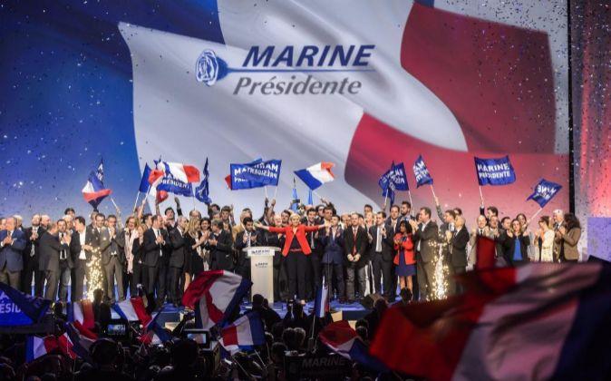 Imagen de un acto de campaña de Marine Le Pen, candidata del Frente...