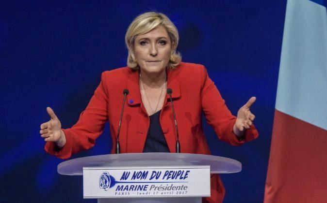La líder y candidata del partido Frente Nacional (FN) a la...