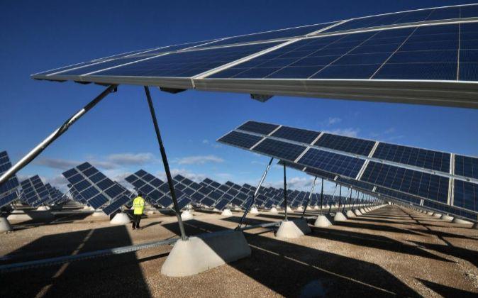 Parque solar fotovoltaico de Zuera, en la provincia de Zaragoza,...