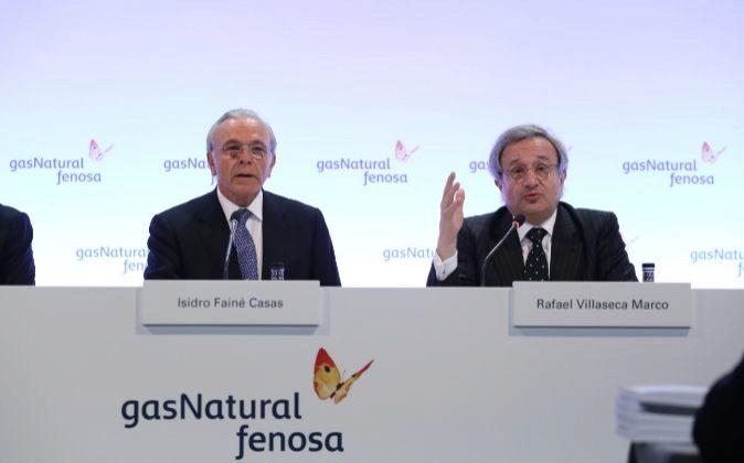 Isidro Fainé y Rafael Villaseca, durante la junta de accionistas de...