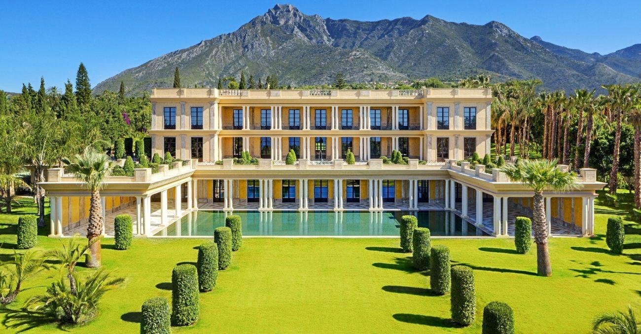 La vivienda consta de más de 3.600 m² construidos, sobre un terreno...