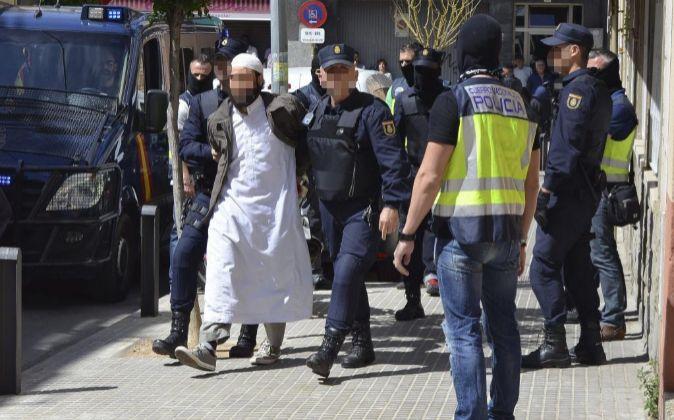 Imagen de archivo que muestra la detención por la Policía Nacional...