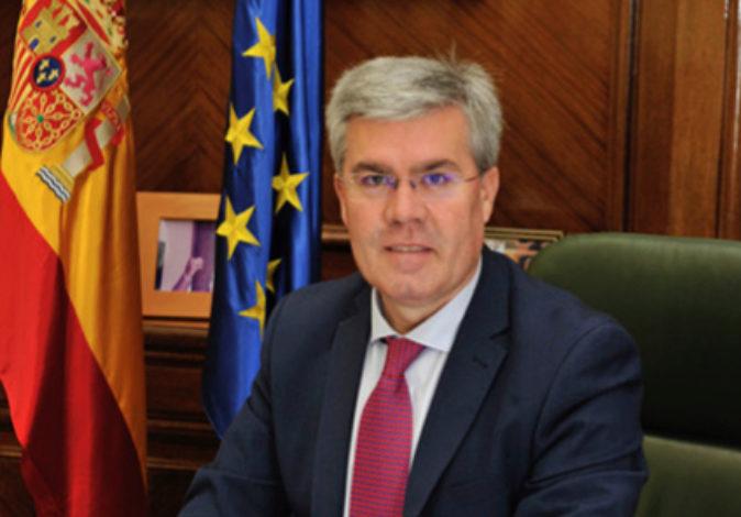 El secretario de Estado de Hacienda, José Enrique Fernández de Moya,...