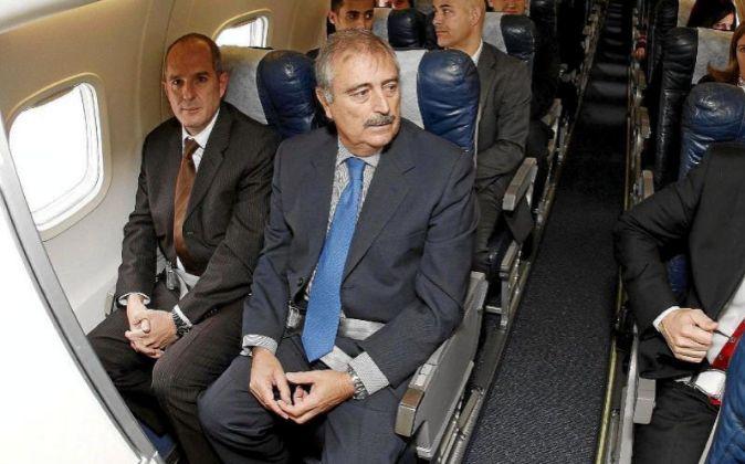 Martín Delgado, a bordo de uno de los aviones de la extinta Andalus.