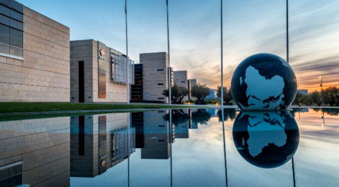 En 2002, Repsol inauguró en Móstoles (Madrid) su mayor centro de...