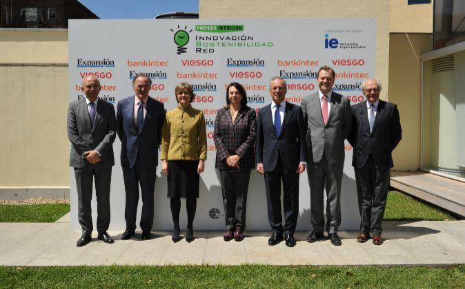 De izquierda a derecha, Francisco Rosell, adjunto al presidente de...
