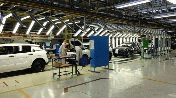 Imagen de la cadena de producción del Citroën C4 Cactus en la planta...