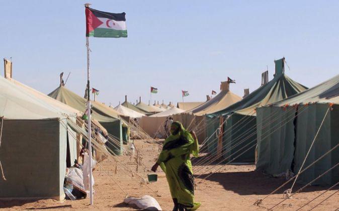 Vista general de unas tiendas en un campo de refugiados saharauis en...