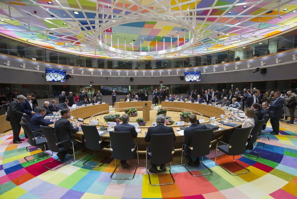 Cumbre de jefes de Estado o Gobierno de la Unión Europea, reunidos a...