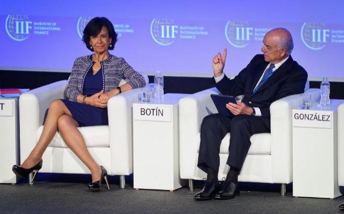 Ana Botín (Banco Santander) y Francisco González (BBVA) en la...