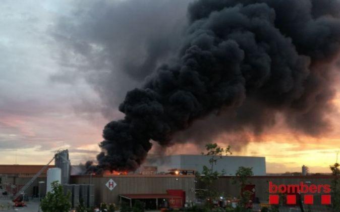Incendio en la planta de Coca-cola en Montornès (Vallès Oriental).