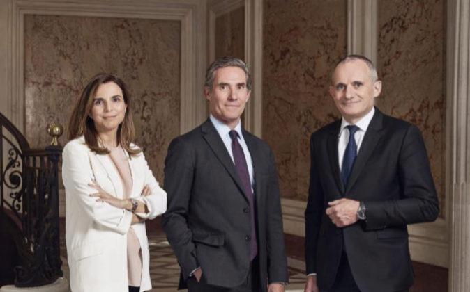 De izquierda a derecha, Ana García Fau, JuanPicón (copresidente...