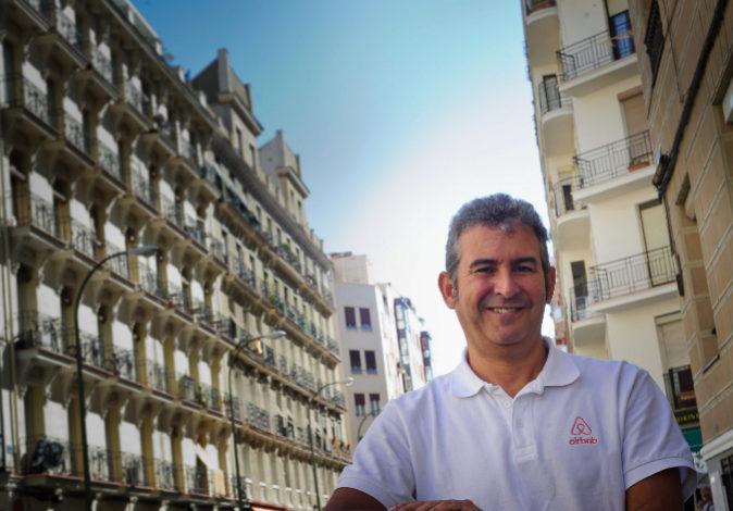 Arnaldo Muñoz, director general de Airbnb en España, en una imagen...