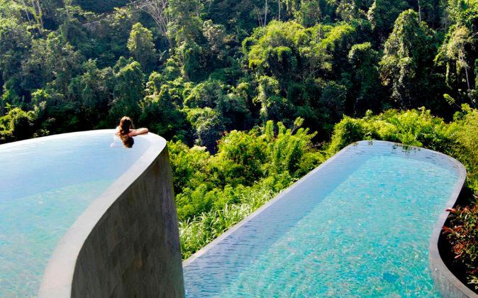 Darse un chapuzón en el Hanging Gardens of Bali es una experiencia.