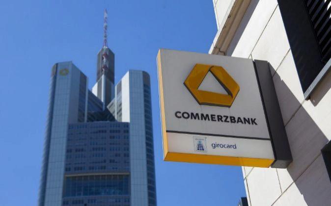 Logo de una sucursal de Commerzbank.