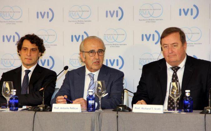 Los doctores José Remohíy  Antonio Pellicer, fundadores del IVI, con...