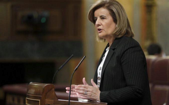 La ministra de Empleo, Fátima Báñez, durante una intervención en...