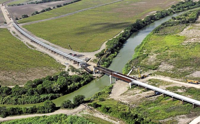 Vista aérea del libramiento ferroviario de la línea...