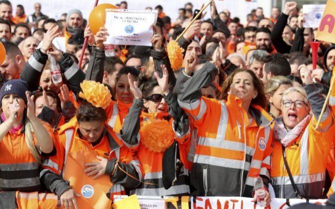 Huelga el pasado mes de febrero de cerca de un millar de personas, en...