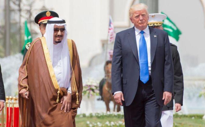 Salmán bin Abdulaziz, rey de Arabia Sudí y Donald Trump, presidente...