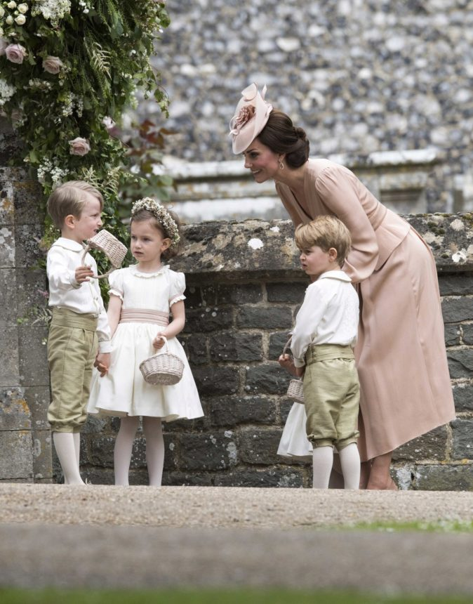 e8ce3ec166 La diseñadora vistió a los niños de arras en la boda de Pippa Middleton.