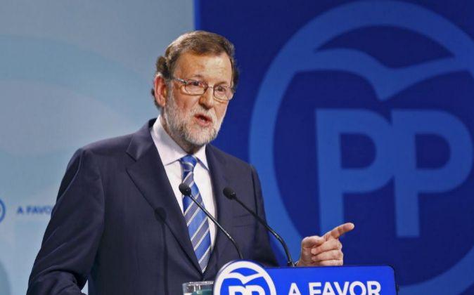 El líder del PP, Mariano Rajoy, durante la rueda de prensa ofrecida...