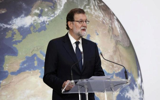 El presidente del Gobierno, Mariano Rajoy, hoy durante su...