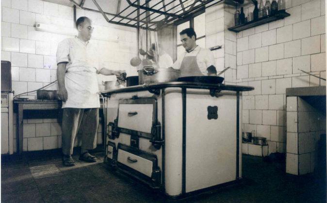 Imagen de una de las primeras cocinas comercializadas por el negocio
