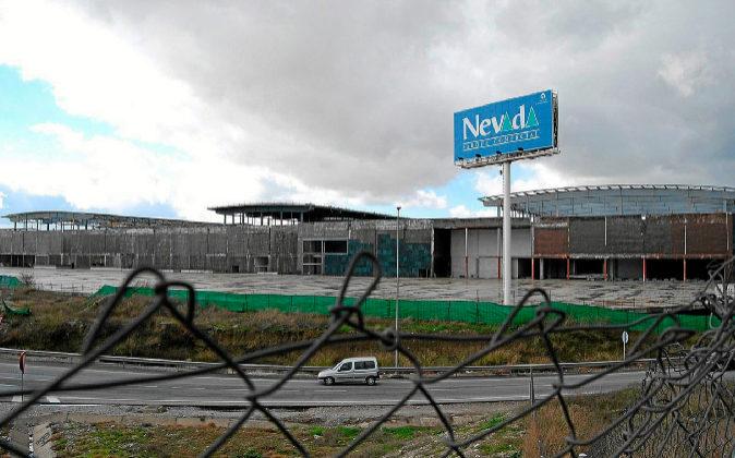 Centro comercial Nevada durante la paralización de sus obras de...