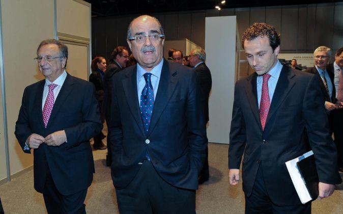 Foto de archivo de la Junta General de Sacyr de 2012 con Tomás...