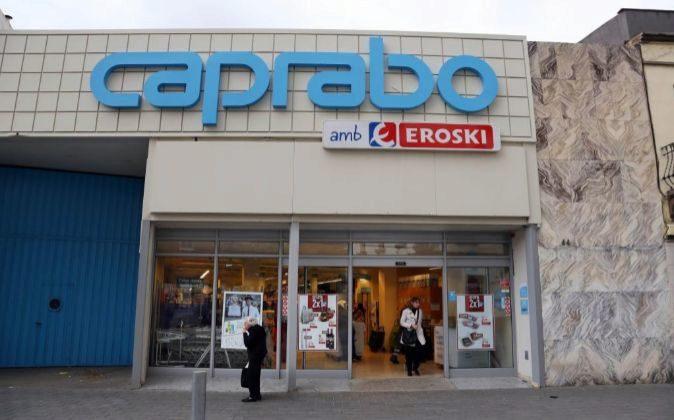 Caprabo cuenta con una red de 326 supermercados en Catalunya y...
