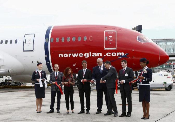 Imagen del acto de inauguración de la conexión de Norwegian entre...