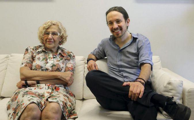 La alcaldesa de Madrid, Manuela Carmena, recibe en el Palacio de...