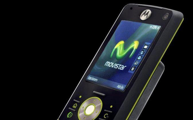 Teléfono móvil de Movistar.