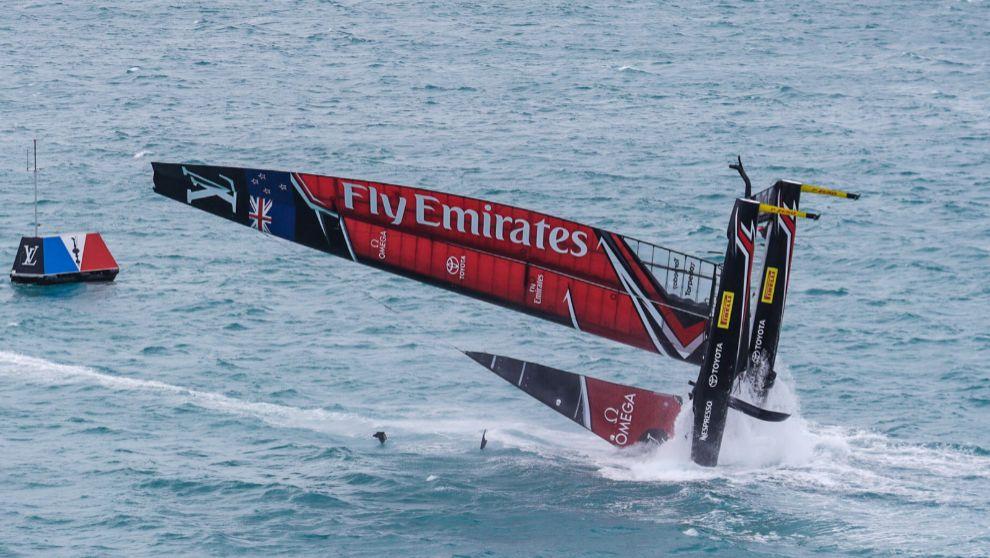 La embarcación AC50 del Emirates Team New Zealand, durante su...