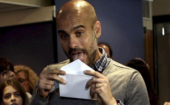 Pep Guardiola, durante la votación del 9-N