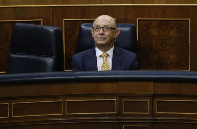 El ministro de Hacienda, Cristóbal Montoro, el 31 de mayo en el...