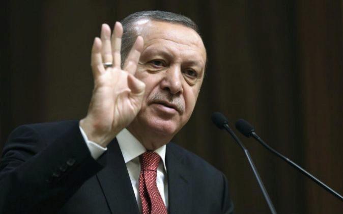 Fotografía facilitada por la Oficina de prensa turca que muestra al...