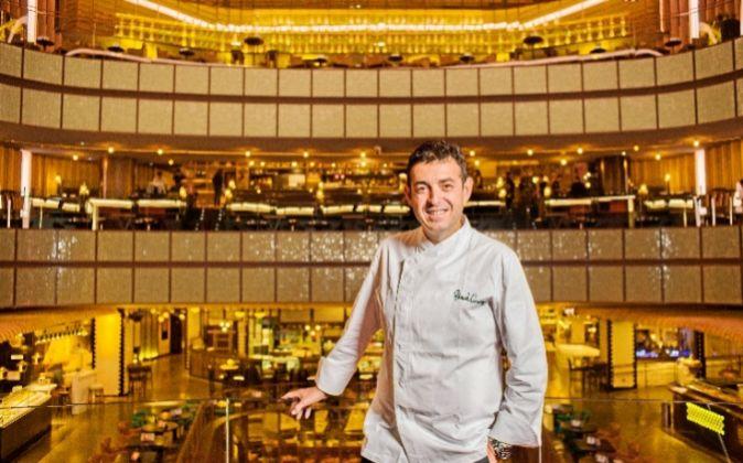 El chef valenciano Ricard Camarena, en el escenario de Platea.