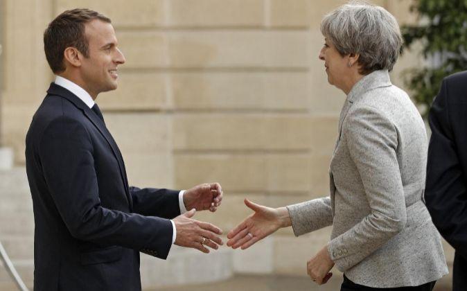 Macron y May se han reunido en París