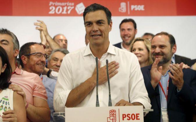 Pedro Sánchez comparece en Ferraz tras proclamarse vencedor de las...