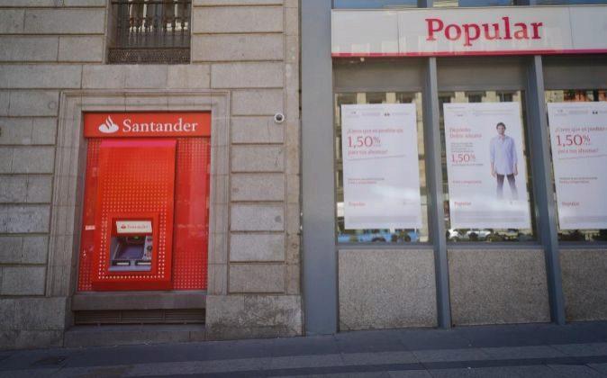 Sucursales de Banco Santander y Popular en Madrid.