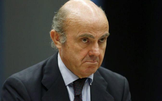 El ministro español de Economía, Luis de Guindos, al inicio de la...
